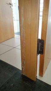 Tür reparieren